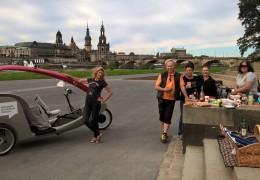 Picknick an der Elbe